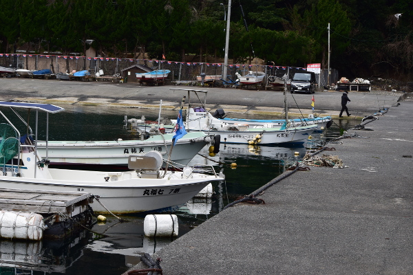 矢代漁港駐車場