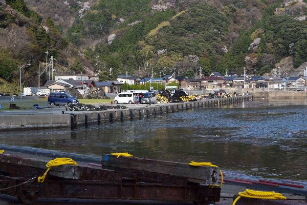 小川漁港駐車場