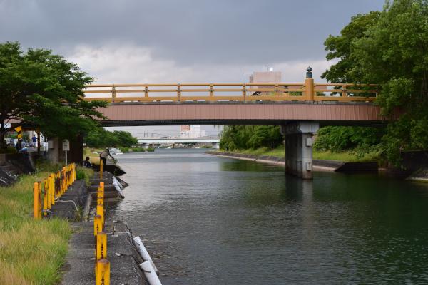 唐橋の橋げた