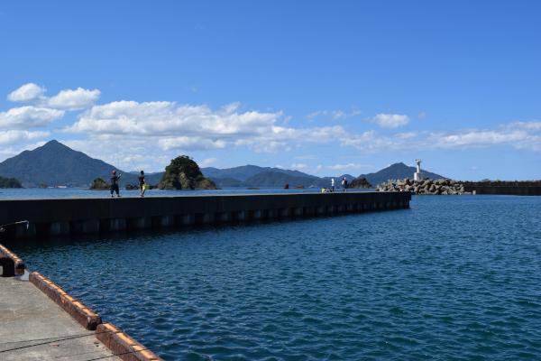 和田漁港の堤防