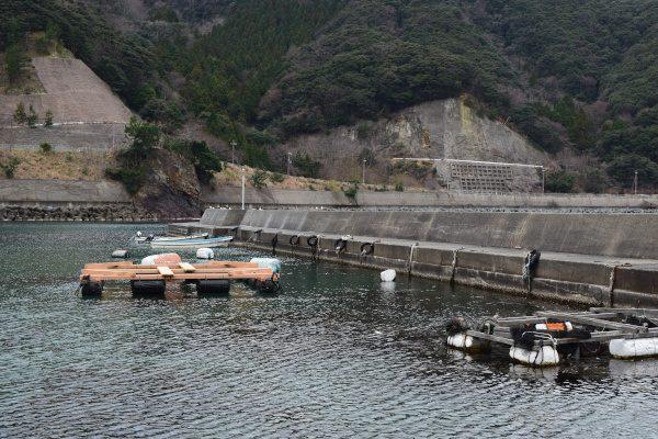 志積漁港堤防
