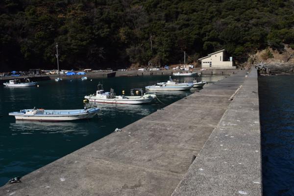 宇久漁港内側