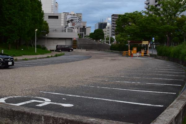 打出の森駐車場