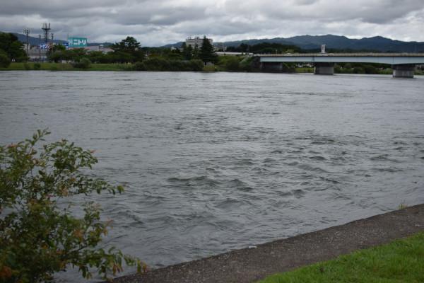 瀬田川の流れ