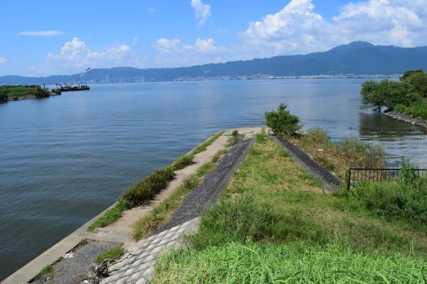 葉山川と水路