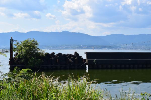 赤野井漁港の堰堤