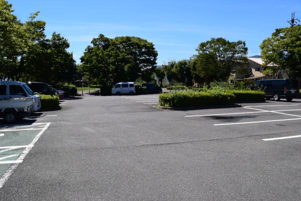 衣川緑地公園駐車場