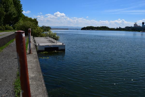 琵琶湖グランドホテル西館前