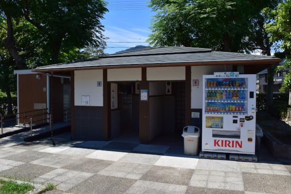 坂本城跡公園のトイレ