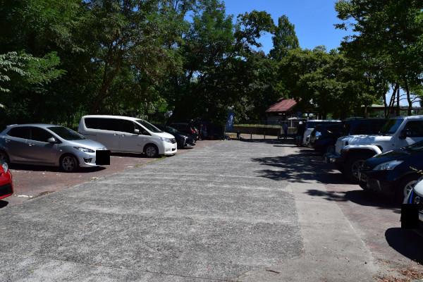天神川河口公園の駐車場