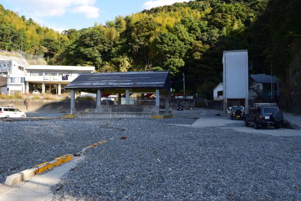 木本港の駐車スペース