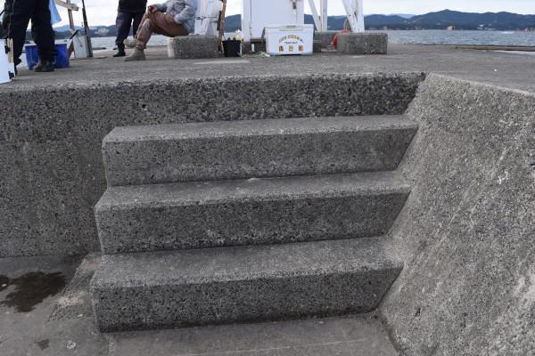 安乗漁港先端階段