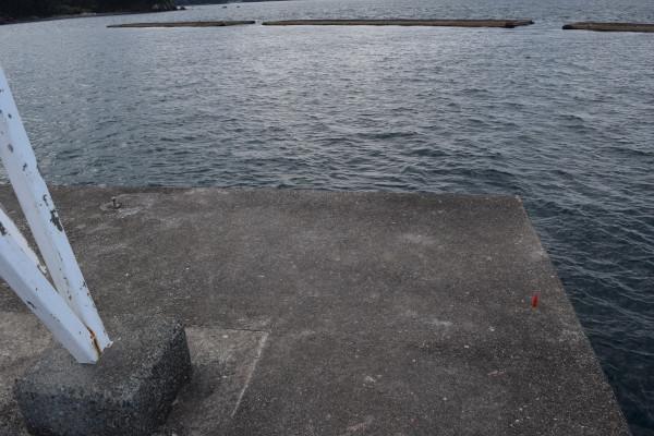 安乗漁港灯台そば