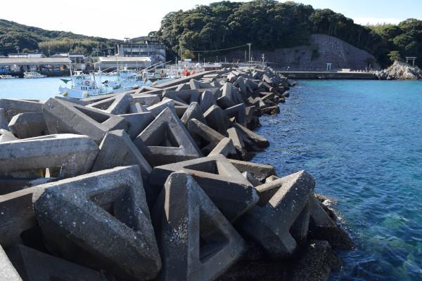 御座漁港消波ブロック