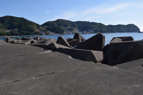 松崎漁港の付け根