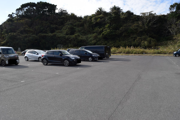 波切漁港駐車場