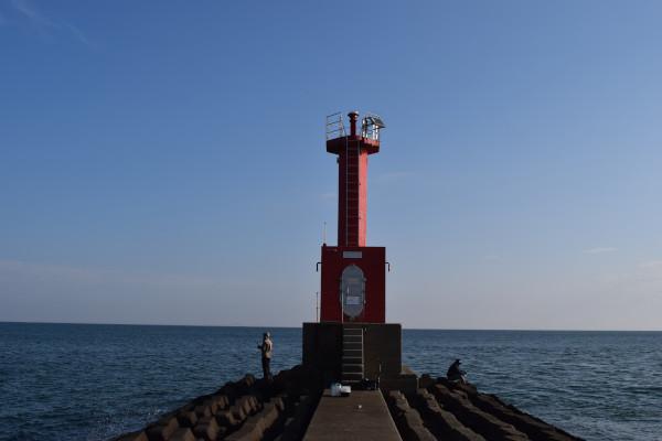 大淀漁港灯台前