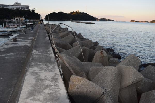 小浜漁港消波ブロック