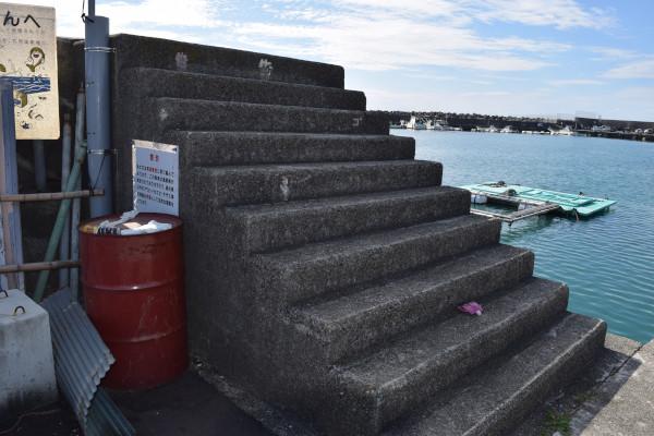 和具漁港堤防階段