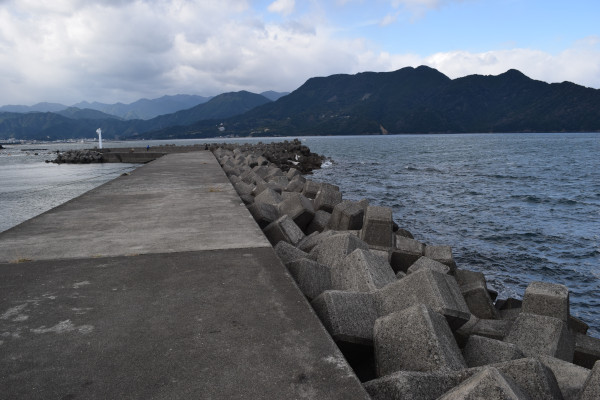 行野浦漁港外側堤防消波ブロック