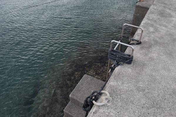 行野浦漁港堤防のはしご