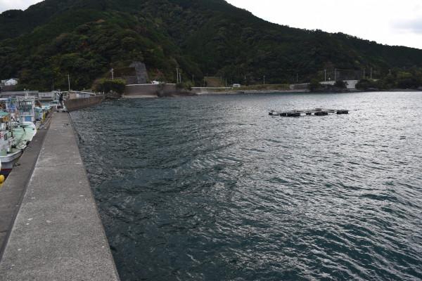 行野浦漁港内側堤防