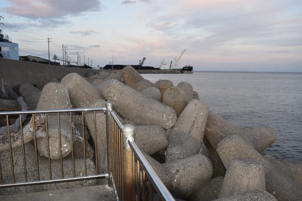 霞埠頭海釣り公園先端