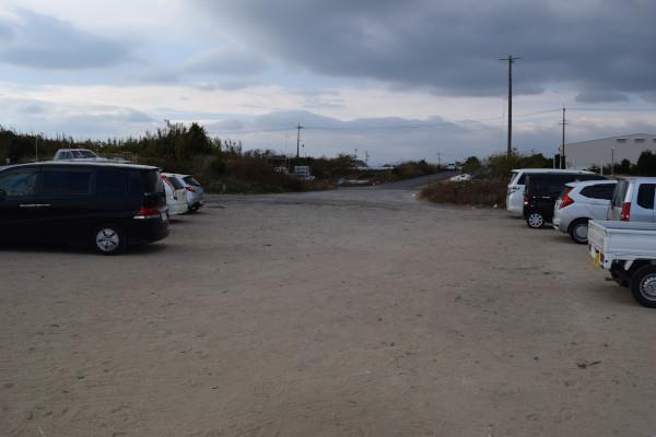 河芸漁港灯台のある堤防駐車場