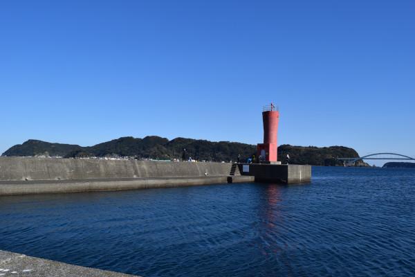串本港赤灯台堤防