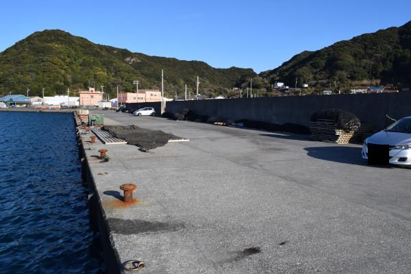 大島漁港駐車スペース