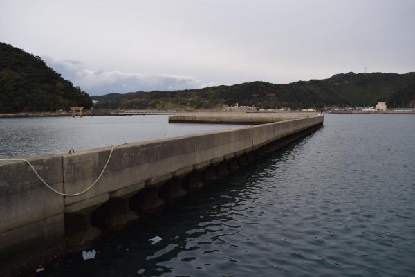 すさみ海水浴場堤防
