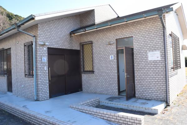田原漁港のトイレ