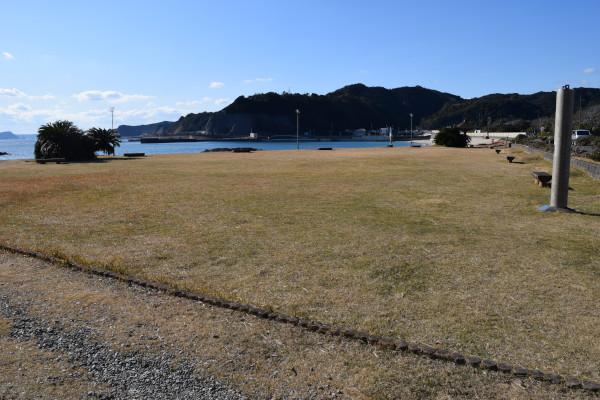 田原漁港隣の公園