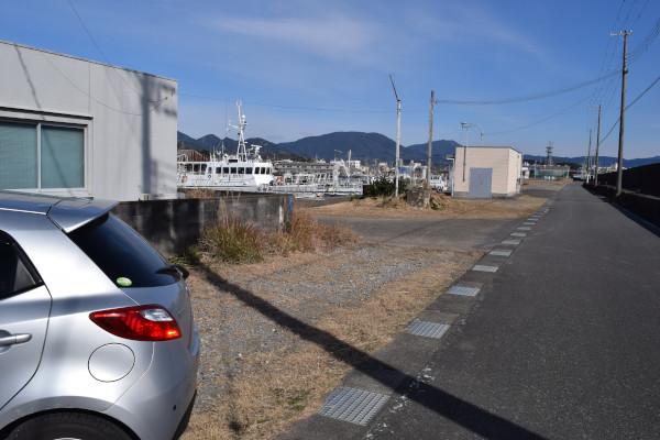 田辺港江川東堤防駐車スペース
