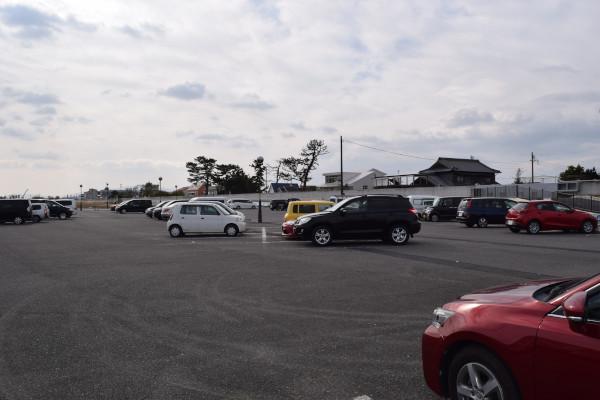 阿漕裏の駐車場