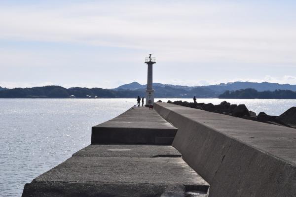 磯間漁港の灯台