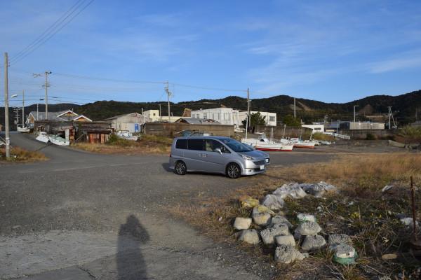 上野漁港内側の駐車場