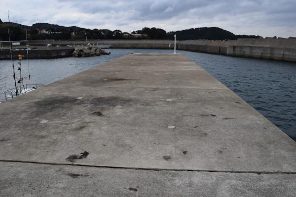 祓井戸漁港の堤防先端