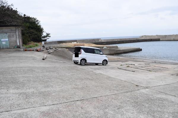 加尾漁港駐車スペース