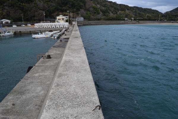 小浦漁港釣りポイント1の外側