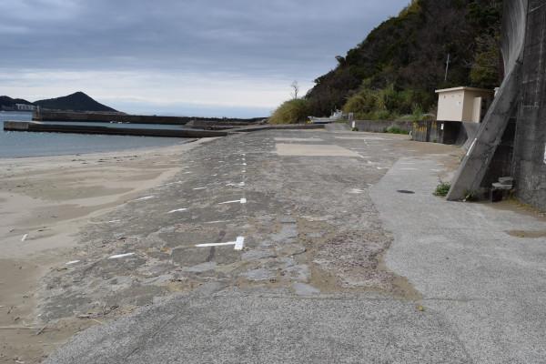 産湯漁港の駐車場