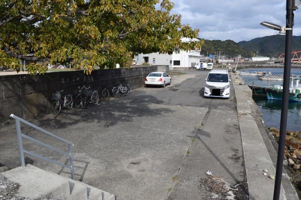 網代新波止の駐車スペース