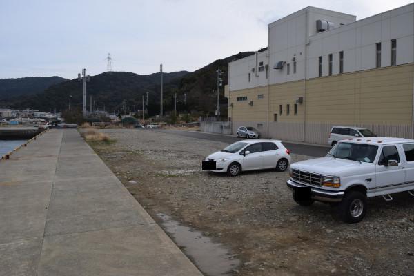 衣奈漁港の駐車スペース