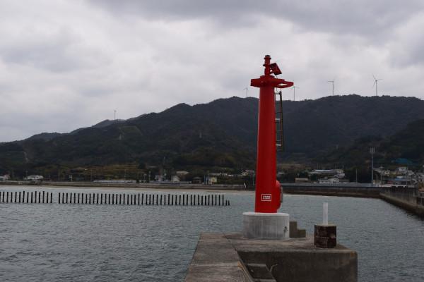 唐尾漁港赤灯台