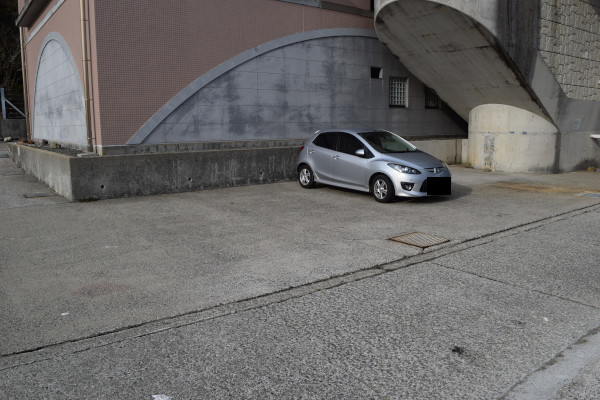 戸津井漁港駐車スペース2