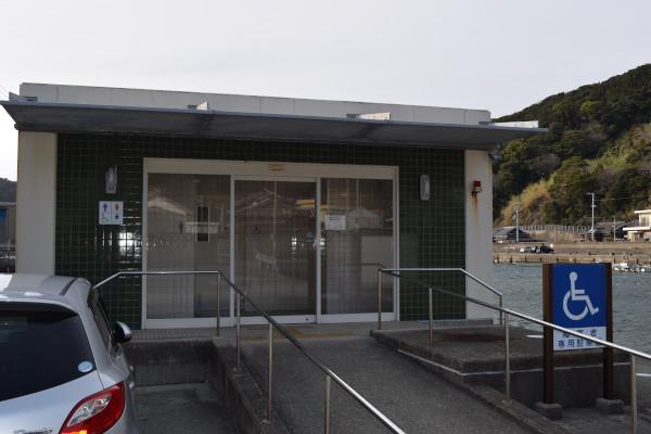 戸津井漁港トイレ
