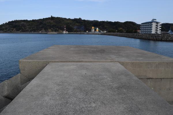 湯浅広港堤防先端