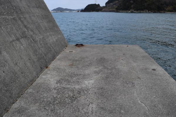 塩津漁港の外側先端