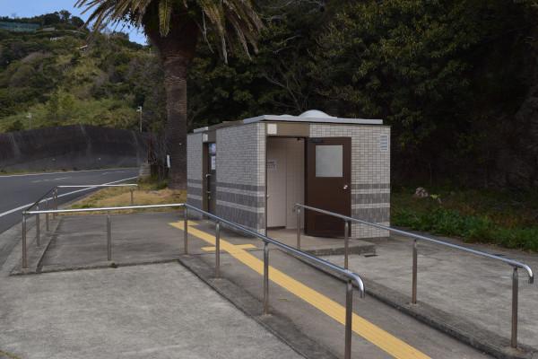 田村漁港の公衆トイレ