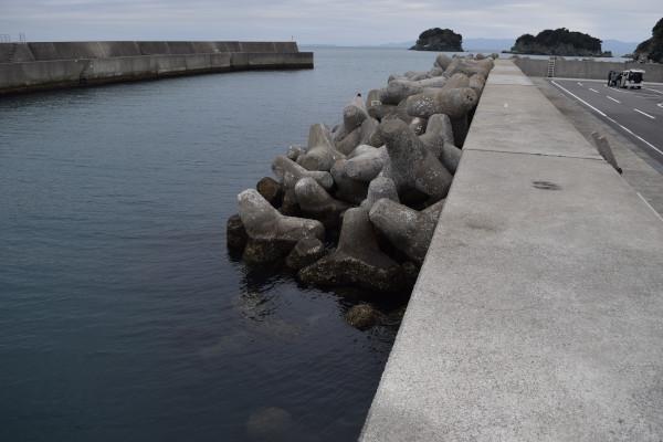 雑賀崎漁港消波ブロック